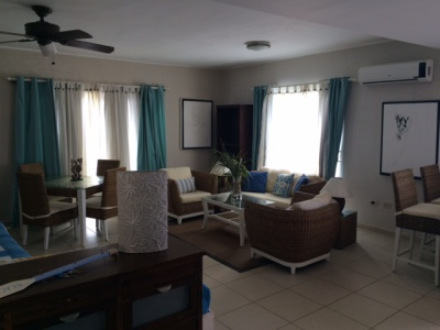 Super nice condo on Kite Beach, one bedroom 2 bathroom, fully furnishe